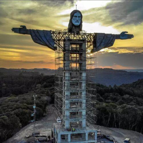 Construyen en Brasil una nueva estatua gigante de Cristo, más alta que la de Río