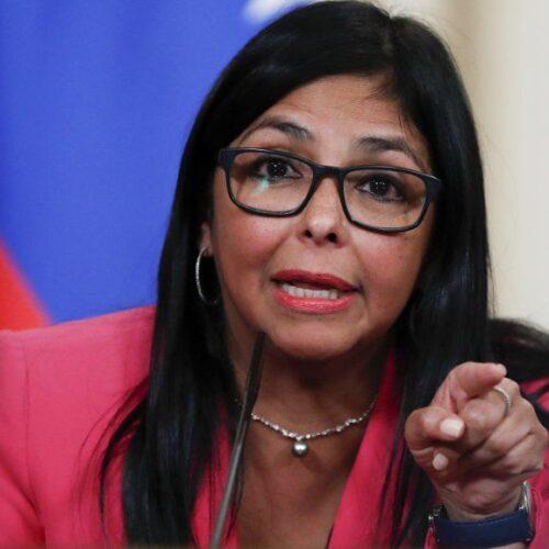 Delcy Rodríguez reitera que el Gobierno Nacional pagó la cuota completa de las vacunas a Covax
