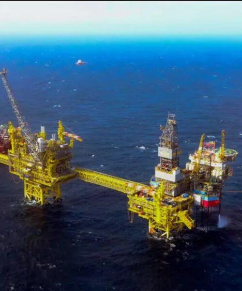 Precios del petróleo en alza a pesar de preocupaciones por aumento de casos Covid
