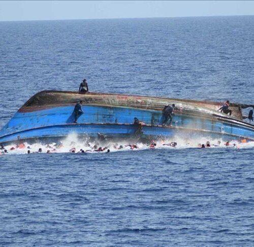 Al menos 3 fallecidos y 17 desaparecidos tras naufragio en Delta Amacuro