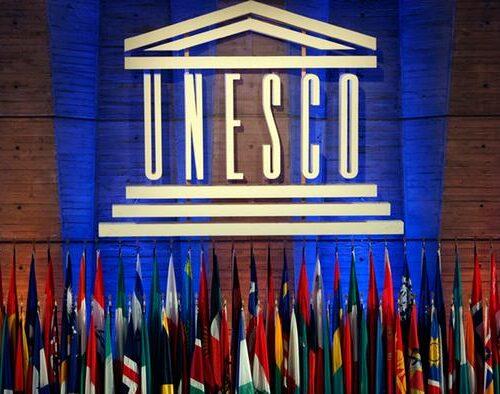 Unesco considera que levantar las patentes de las vacunas anticovid salvaría millones de vidas