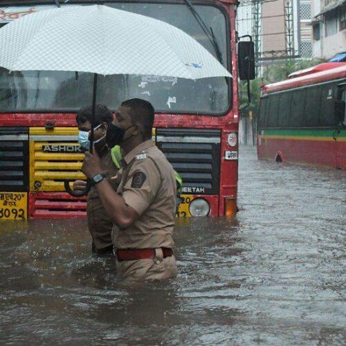 India: 33 muertos y decenas de desaparecidos por ciclón Tauktae