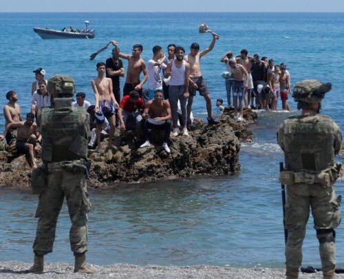 """Francia cataloga situación migratoria en Ceuta como """"un contratiempo"""""""