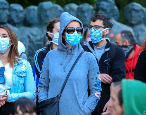 Según la OMS la pandemia está lejos de su fin pese a descenso de los casos