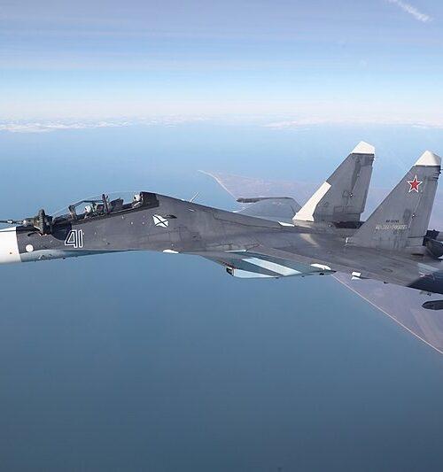 Un caza ruso interceptó a tres aviones militares franceses sobre el mar Negro