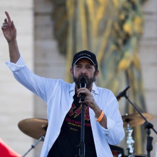 """Juan Luis Guerra lanza este 28 mayo una versión en vivo de su merengue """"Rosalía"""""""