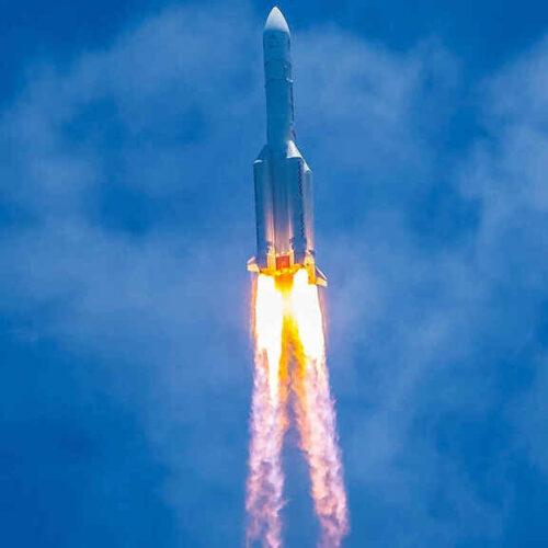 El Pentágono y la Nasa rastrean un cohete chino sin rumbo que caerá a la Tierra en las próximas horas