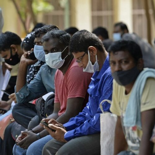 Crisis de covid-19 en India podría afectar la distribución mundial de vacunas, según la OPS