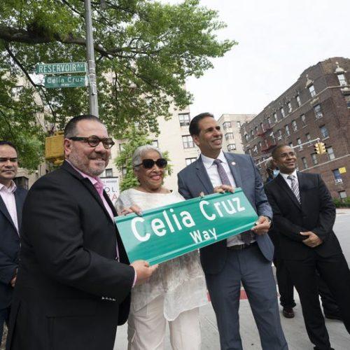 Celia Cruz ya tiene en el Bronx una calle en su honor