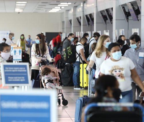 Argentina disminuye cupo de ingreso al país a 600 viajeros por día