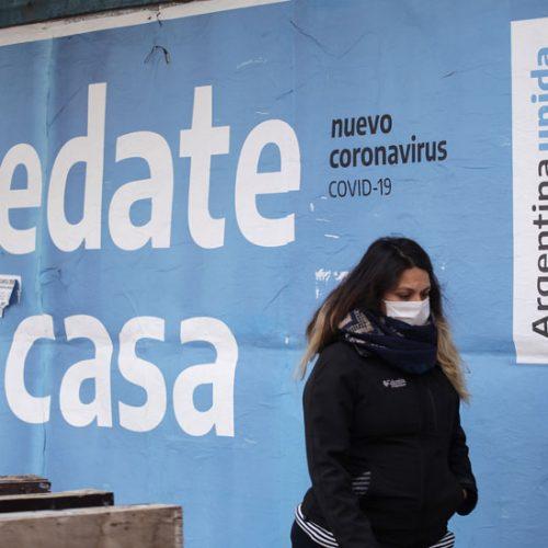 Casos mundiales de COVID-19 superan los 200 millones, aunque la ola de contagios parece estabilizarse