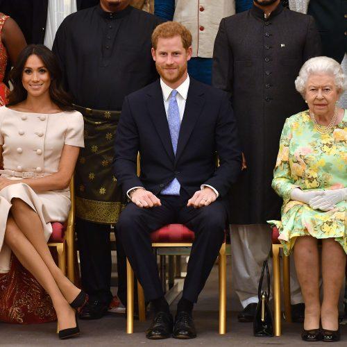 """La reina Elizabeth II solicitó reunirse con el príncipe Harry para limar asperezas y """"reconectar"""" las relaciones"""