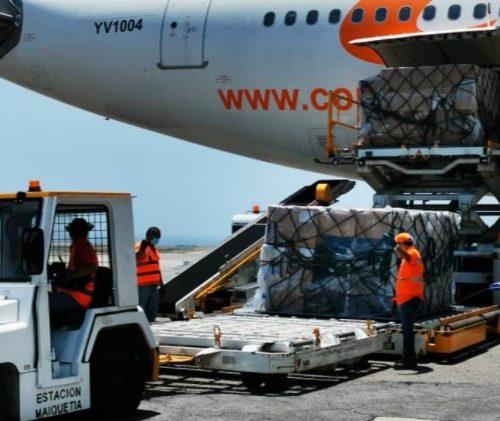 Llegan al país más de 29 toneladas de insumos contra el Covid-19