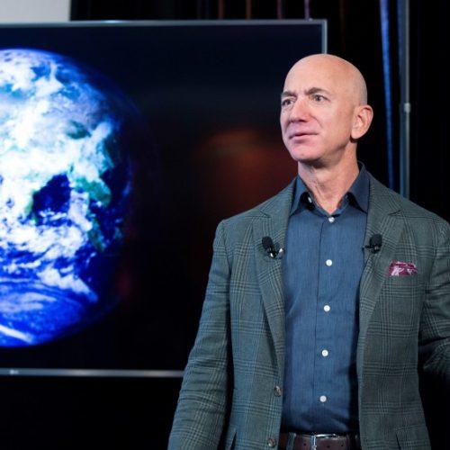 Por viajar al espacio junto a Jeff Bezos pagan 28 millones de dólares
