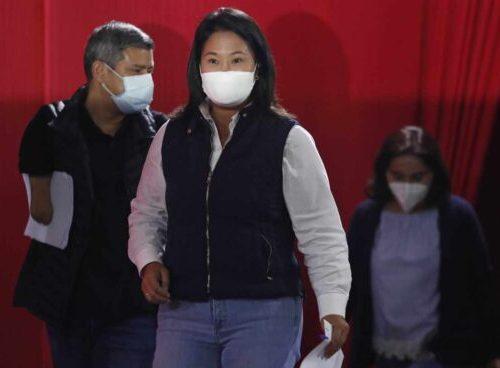 Perú: Juez decreta que Fujimori siga libre pero sin reunirse con sus colaboradores