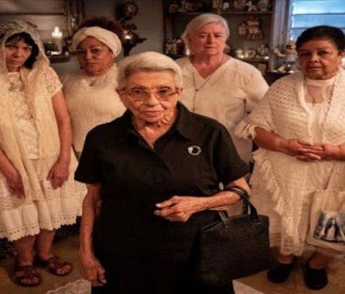 Perfume de Gardenias: Comedia negra inspirada en funerales de Puerto Rico
