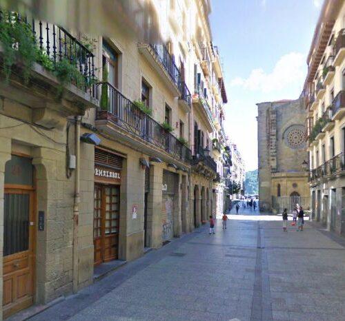 Detienen a mujer en Barcelona por presuntamente cortarle el miembro viril a su jefe