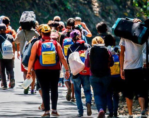 Trinidad y Tobago: Deportan a más de 150 venezolanos del país