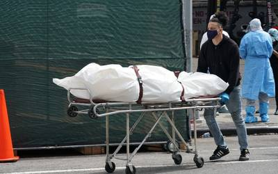 Muertes por covid-19 en el mundo bajaron 12% durante la última semana