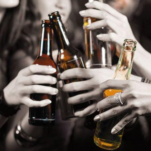 ¿Mientras más inteligente, más bebedor de alcohol?