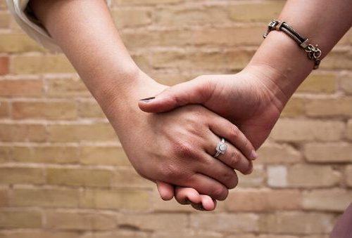 Iglesia protestante en Francia celebró la primera boda gay entre pastoras