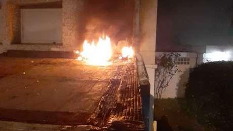Atacan embajada de Cuba en Paris con bombas molotov