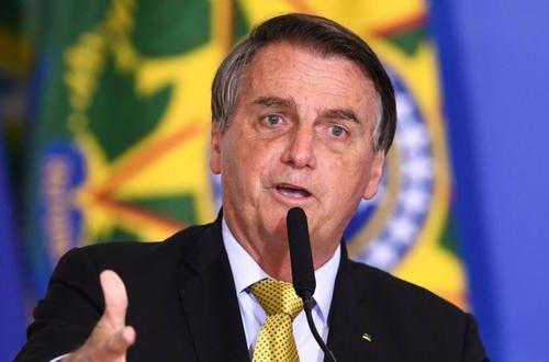 ¡Un ataque de hipo! La insólita razón por la que  Bolsonaro terminó en el hospital