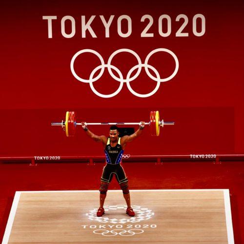 """Julio Mayora: el """"caballo de las pesas"""" de Catia La Mar que alcanzó la gloria en Tokio 2020"""