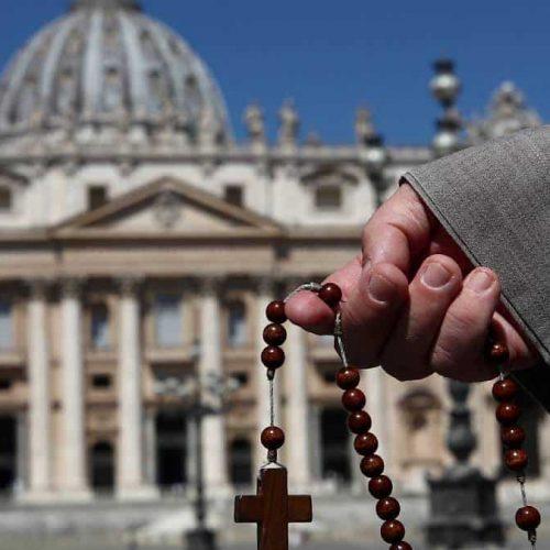 Juicio en el Vaticano a un cardenal y otras nueve personas hace historia