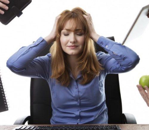 """Burnout: el creciente síndrome de estar """"quemado"""" por el trabajo y cómo combatirlo"""