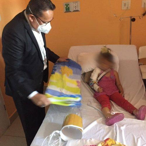 Rescataron a una niña de dos años debajo de unos escombros en Mérida