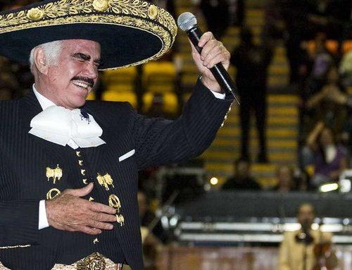 Familiares de Vicente Fernández informaron que el cantante se comunica sólo moviendo la cabeza