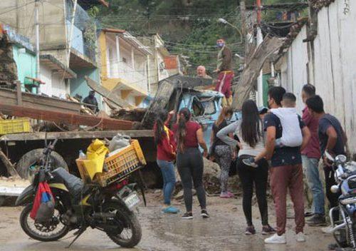Moteros en Mérida trasladan donaciones a los afectados por las lluvias