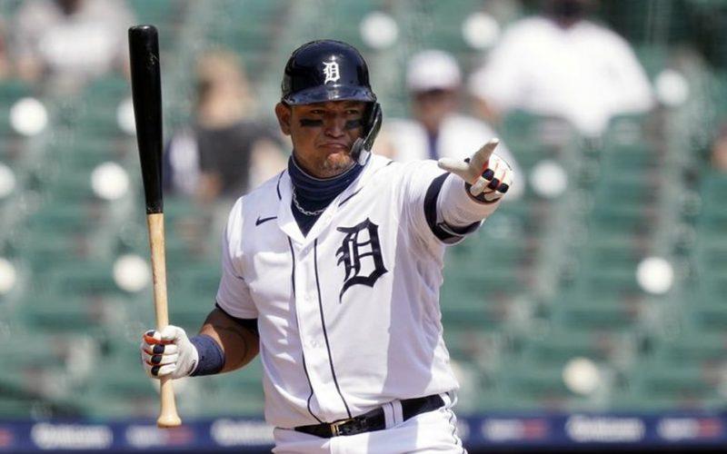 Miguel Cabrera suma otra marca de hits en la MLB