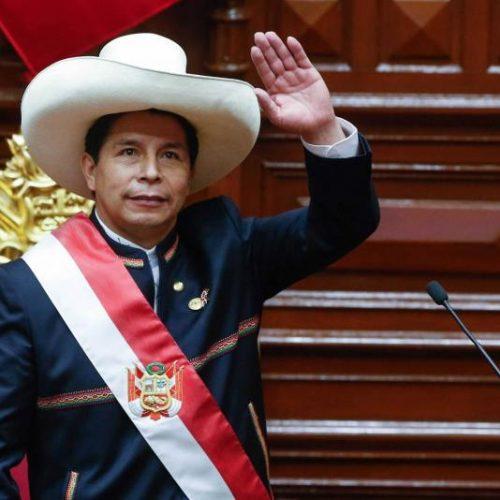 Precio del dólar se dispara en Perú a una semana de mandato de Pedro Castillo