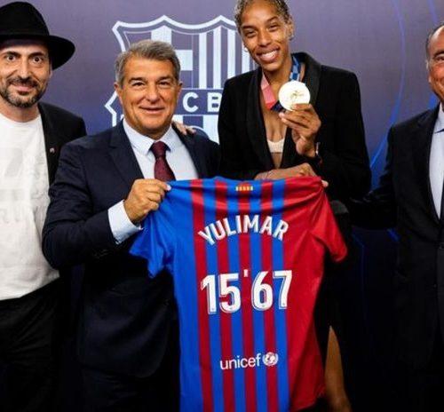 """Joan Laporta: """"Es un honor que Yulimar Rojas vista y sienta los colores del Barça"""""""