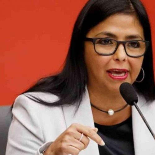 Delcy Rodríguez anunció aprobación de 14 millones de euros para reparación de escuelas