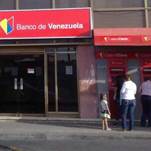 """Delcy Rodríguez denuncia """"ataques"""" contra los servicios públicos en el país"""