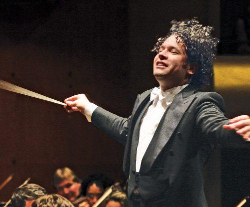Gustavo Dudamel llevará la batuta en el concierto inaugural de la temporada de la Ópera de París