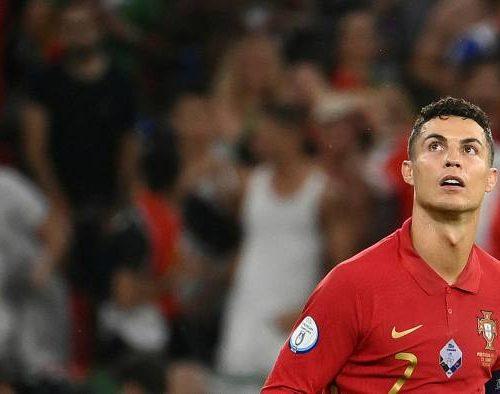 """Según Forbes: Cristiano Ronaldo destrona a Messi en el """"top 10"""" de los futbolistas mejor pagados del mundo"""