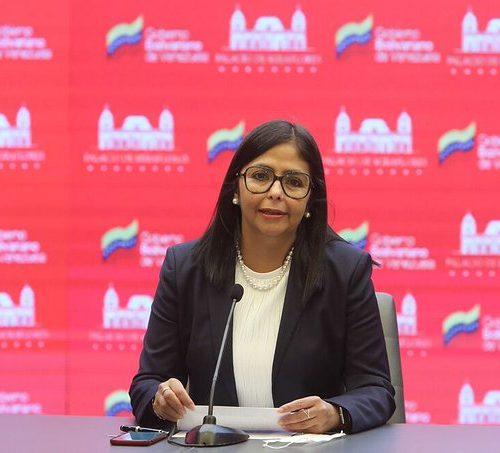 """Delcy Rodríguez fustigó contra Colombia: """"Huye de la CELAC y está más aislada que nunca"""""""
