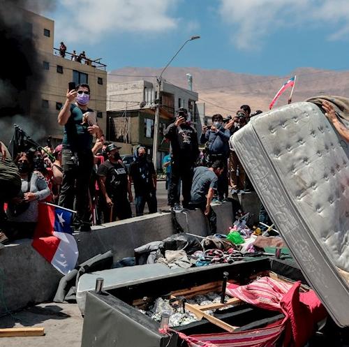Chile: humillacion y xenofobia viven los migrantes venezolanos ante desalojo