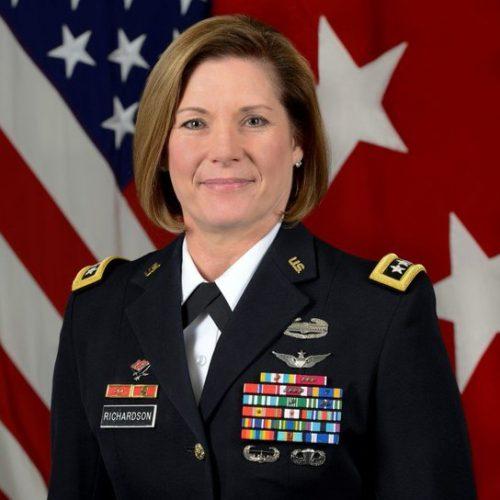 Laura Richardson será la primera mujer a cargo del Comando Sur de EEUU