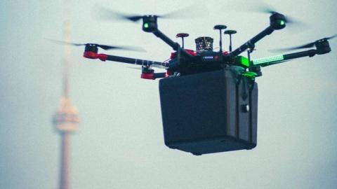 Un dron hace historia al transportar unos pulmones de un hospital a otro en 6 minutos