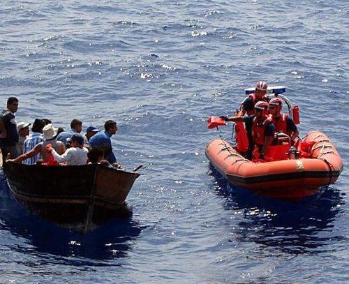 400 haitianos fueron rescatados por la Guardia Costera de EEUU tras viajar en barcos sobrecargados