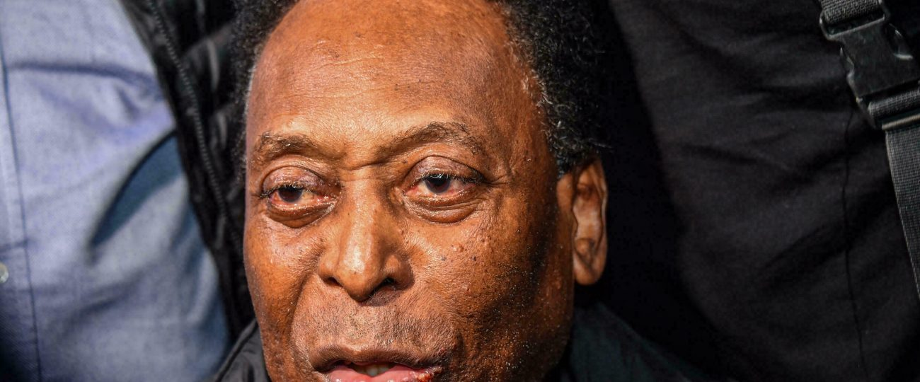 El exfutbolista brasileño Pelé celebra sus 81 años
