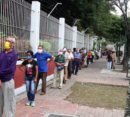 """Al menos 23 exdiputados afirman que las elecciones del 21N son """"inconstitucionales"""""""